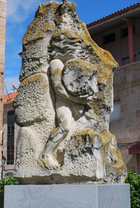 A most interesting sculpture, Salamanca